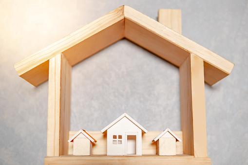 Donation ou sci comment transmettre son bien immobilier?